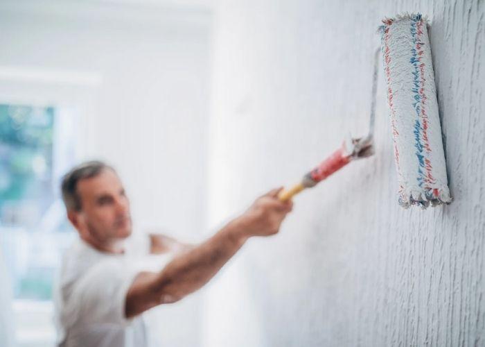 Hướng dẫn] Cách tự pha sơn nước đúng chuẩn để sơn tường trong nhà - META.vn