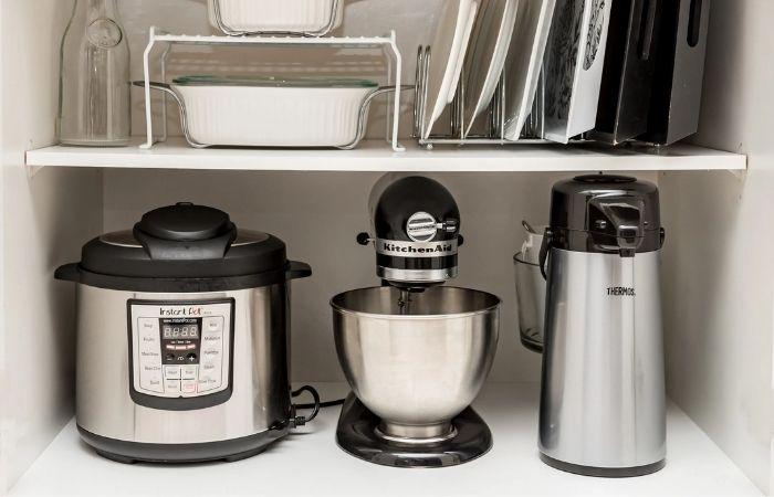 Nếu mẹ bạn thích nấu ăn thì bạn cũng có thể tặng mẹ đồ dùng nhà bếp