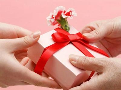 Top món quà tặng vợ ngày 20 tháng 10 ý nghĩa nhất