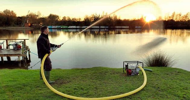 Chọn máy bơm nước tưới cây nào tốt?