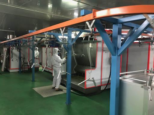 Trước khi bắt đầu sơn chúng ta cần phải xử lý bề mặt tĩnh điện càng sạch càng tốt