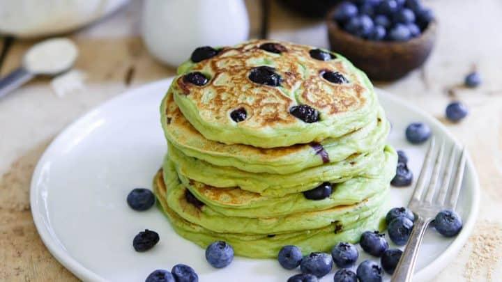 Dựa theo hương vị, nguyên liệu mà sinh ra rất nhiều loại bánh pancake khác nhau