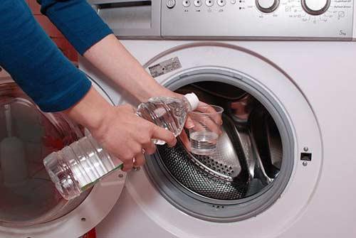 Cách vệ sinh máy giặt bằng giấm