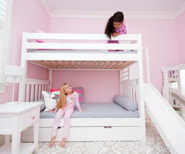 Giường gam màu trắng sang trọng, hiện đại