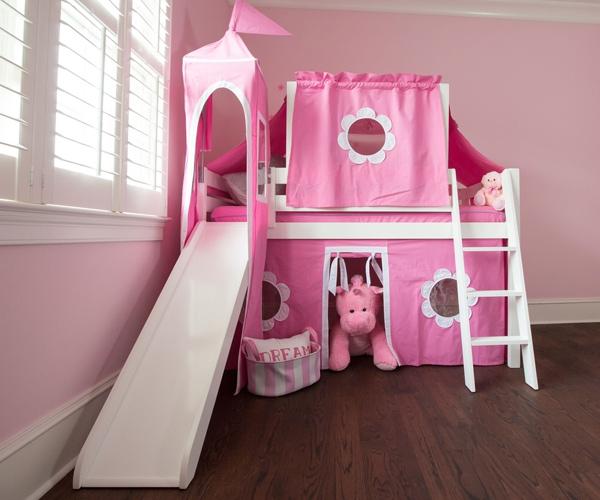 Giường màu hồng là gam màu được nhiều bé gái yêu thích