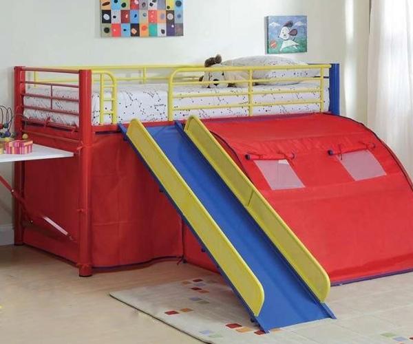 Giường tầng có cầu trượt kèm khu vui chơi