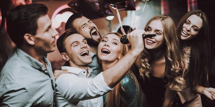 Loa kẹo kéo mini nào tốt, giá rẻ, hát karaoke hay nhất hiện nay?