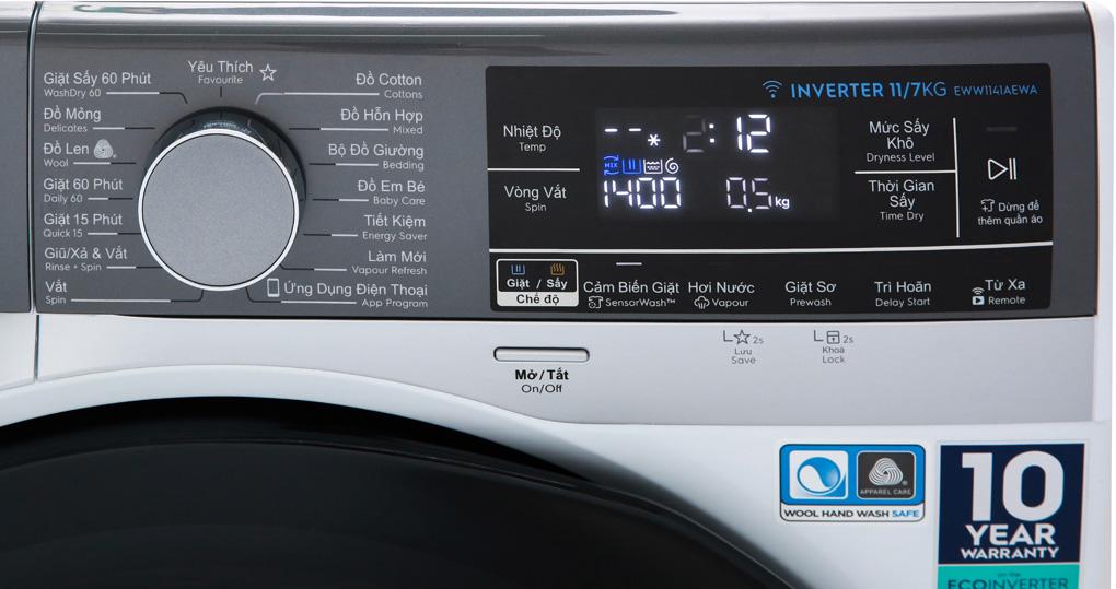 Bảng điều khiển máy giặt sấy khô không cần phơi Electrolux 11kg/7kg UltimateCare 900 EWW1141AEWA rõ ràng