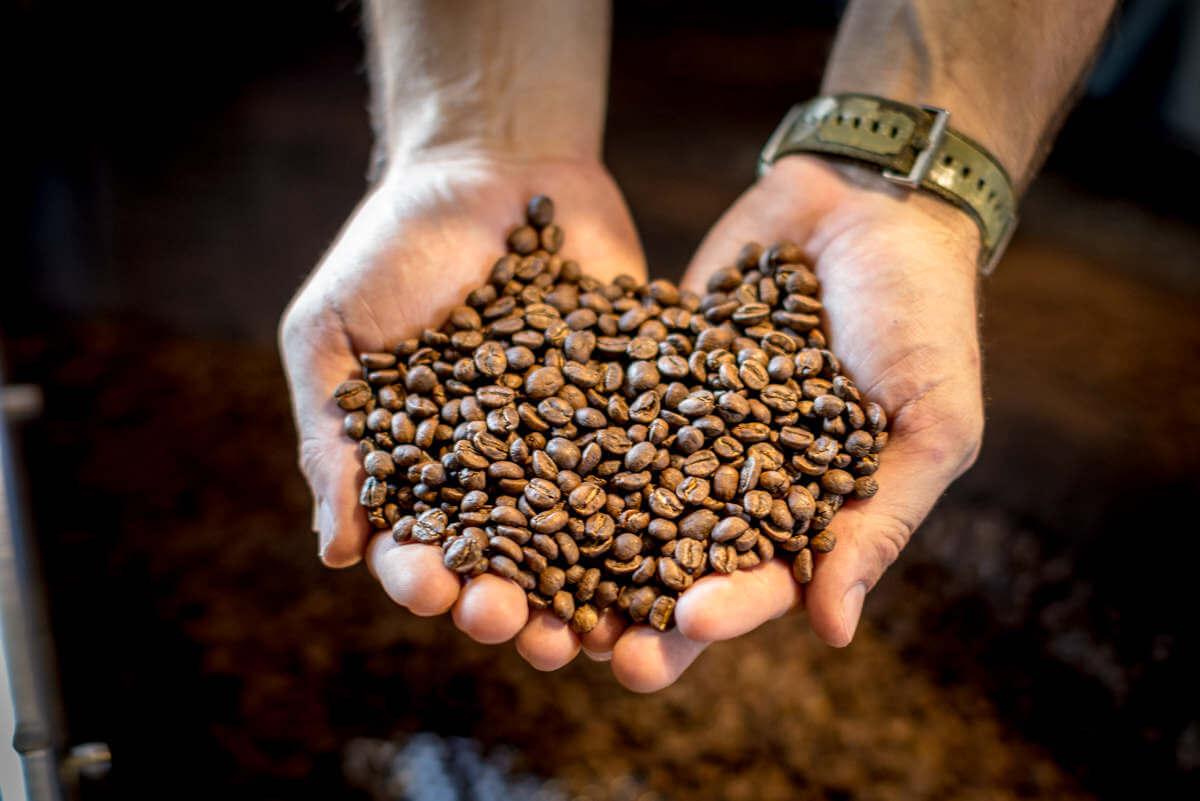 Tại sao nhiều người thích rang cafe tại nhà?