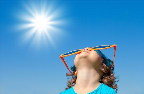Bảo vệ mắt dưới ánh nắng mặt trời