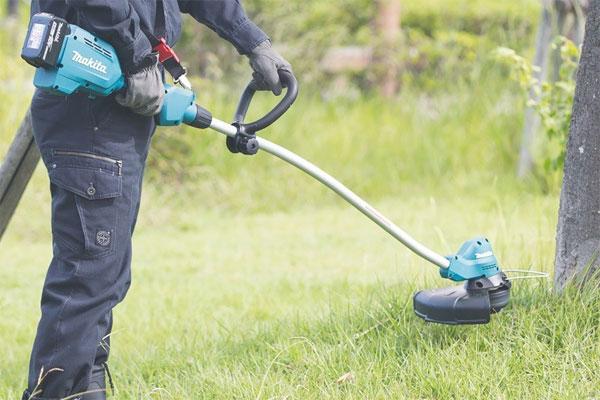 Cách pha xăng cho máy cắt cỏ
