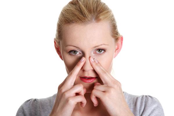 Massage mũi và miệng