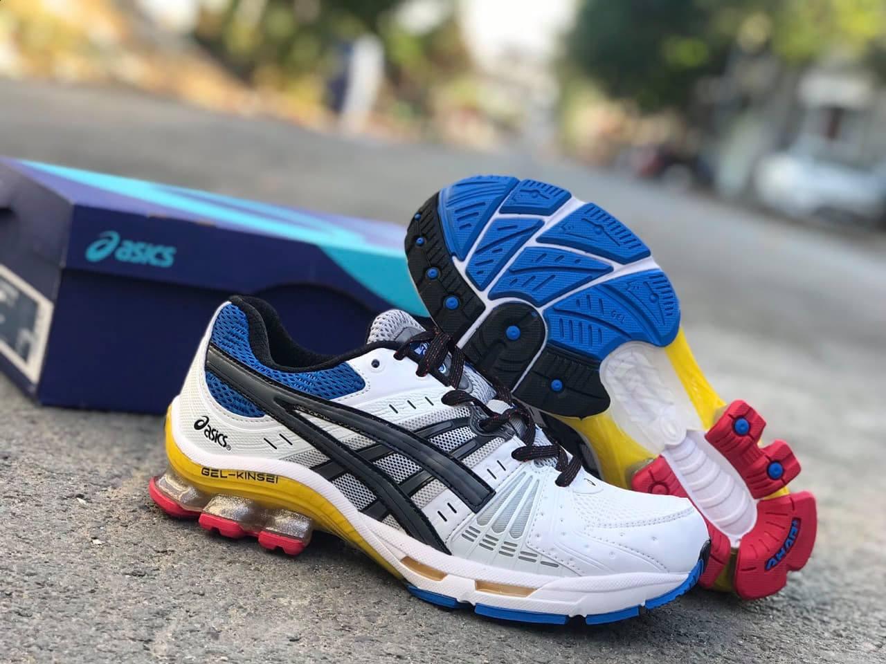 Giày ASICS là một dòng giày nổi tiếng của Nhật