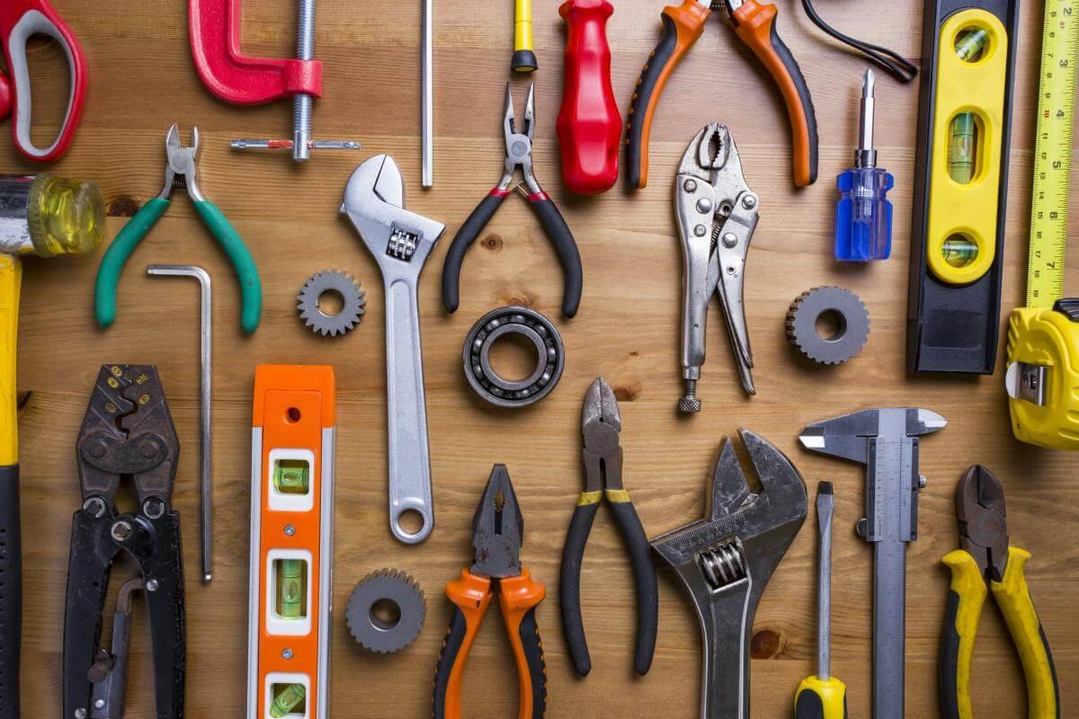 Dụng cụ DIY gồm những gì?