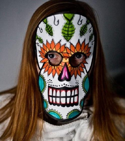 Cách làm mặt nạ Halloween bằng giấy rất đơn giản phải không các bạn?