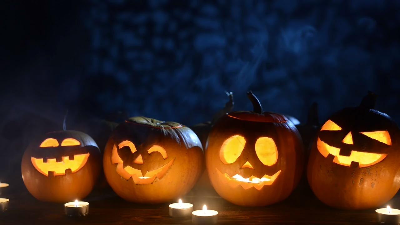 Mẫu tỉa bí ngô trang trí Halloween