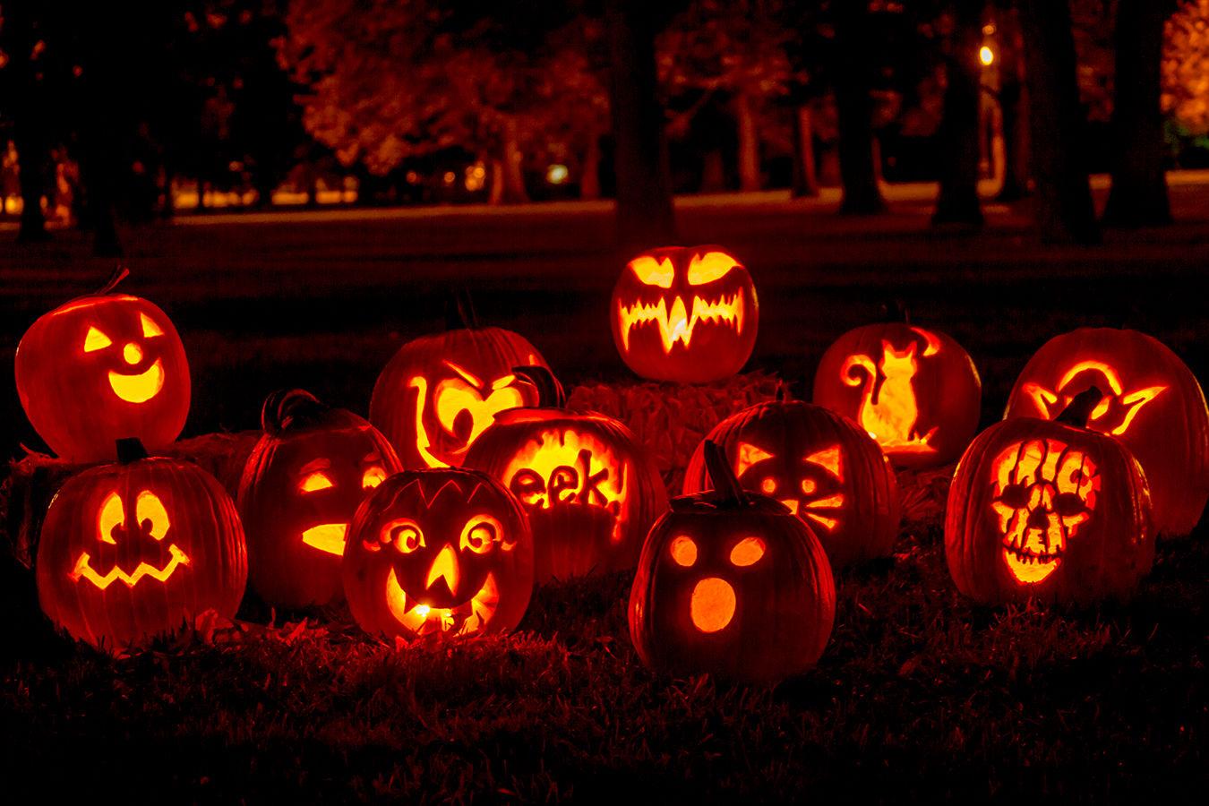 Bí ngô Halloween trang trí nhà cửa