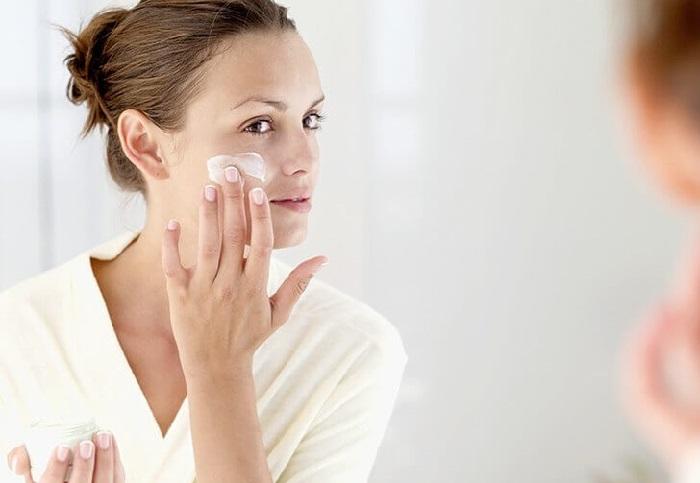 Nguyên nhân và cách chăm sóc da mặt sần sùi lỗ chân lông to