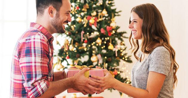 Noel nên tặng quà gì cho người yêu? 10+ Quà Noel cho người yêu dễ thương nhất