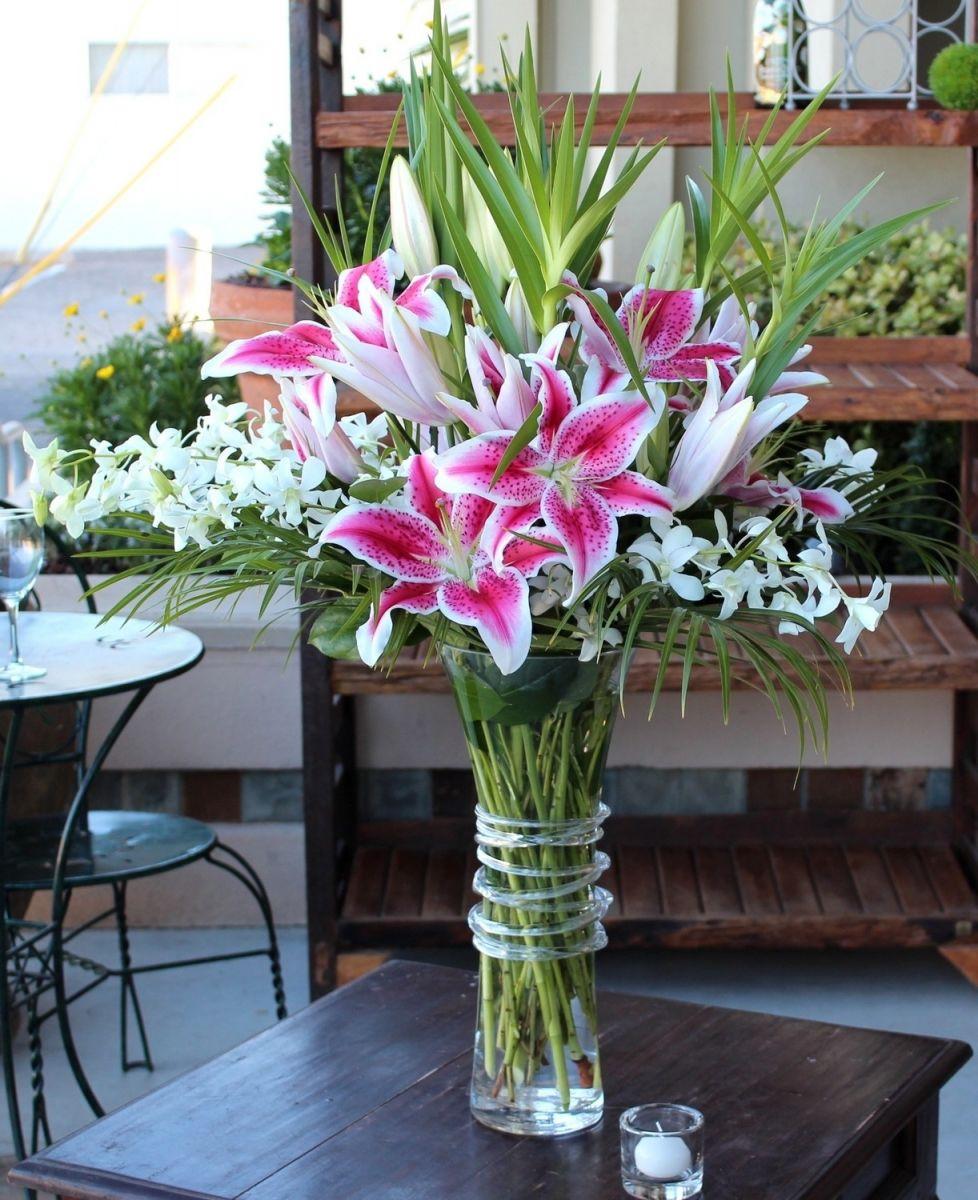 Kiểu cắm hoa ly ngày Tết đẹp trang nhã