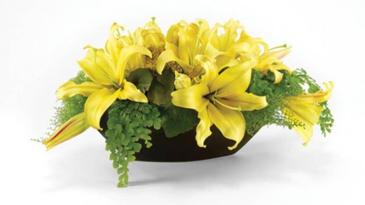Một số kiểu cắm hoa ly độc đáo ngày Tết