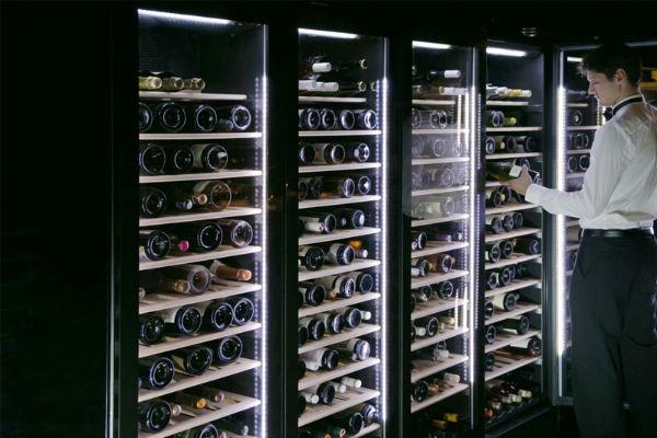 Bảo quản rượu trong tủ rượu giúp giữ được chất lượng thượng hạng