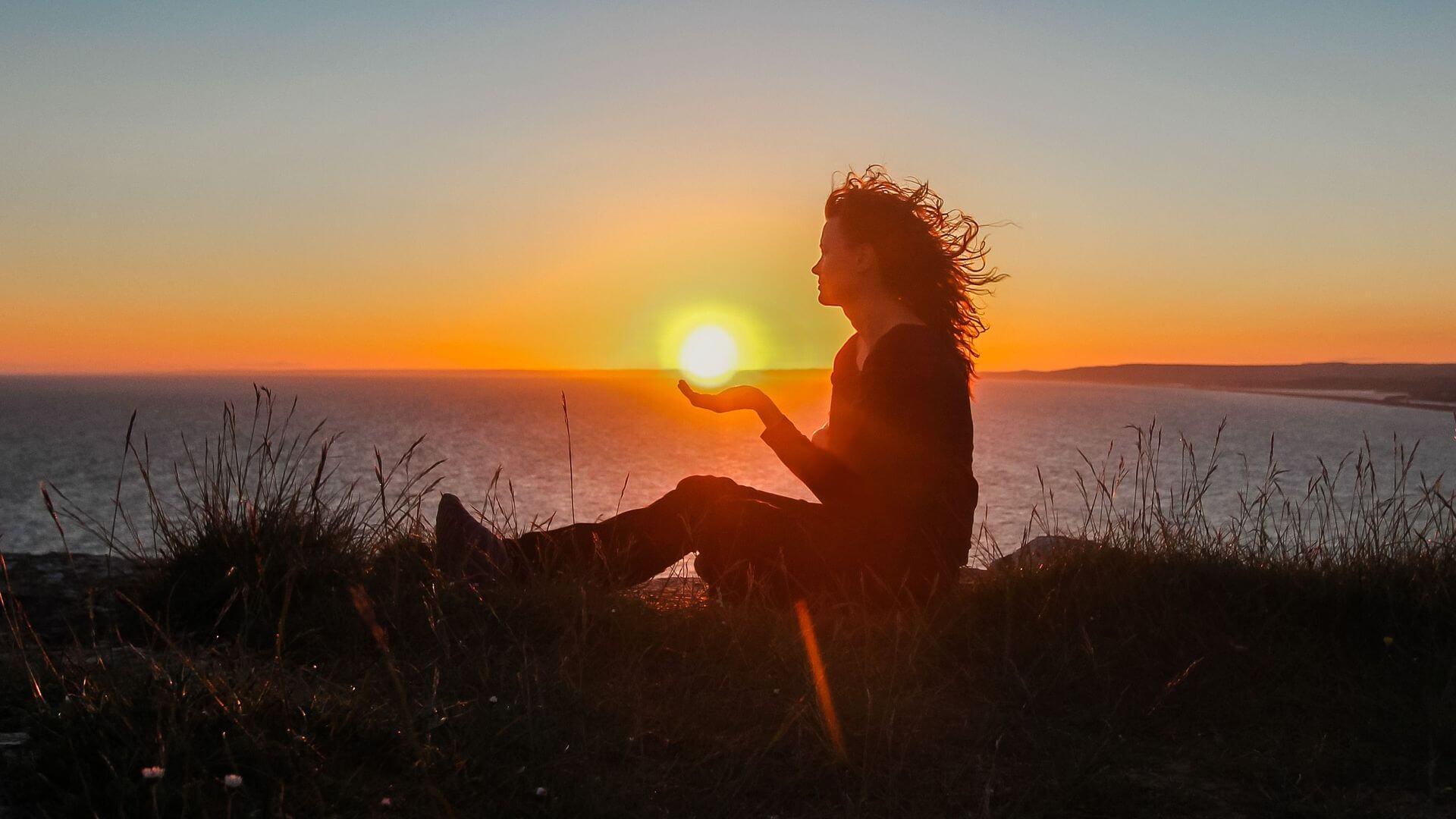 Những câu nói buồn về cuộc sống, làm động lực giúp bạn vực dậy khi khó khăn