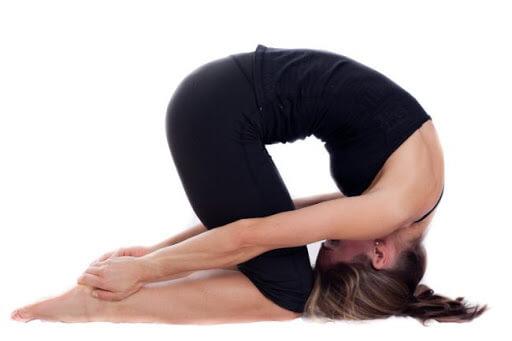 Tư thế con thỏ trong hatha yoga