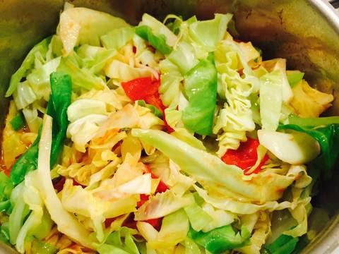 Bắp cải xào cà chua
