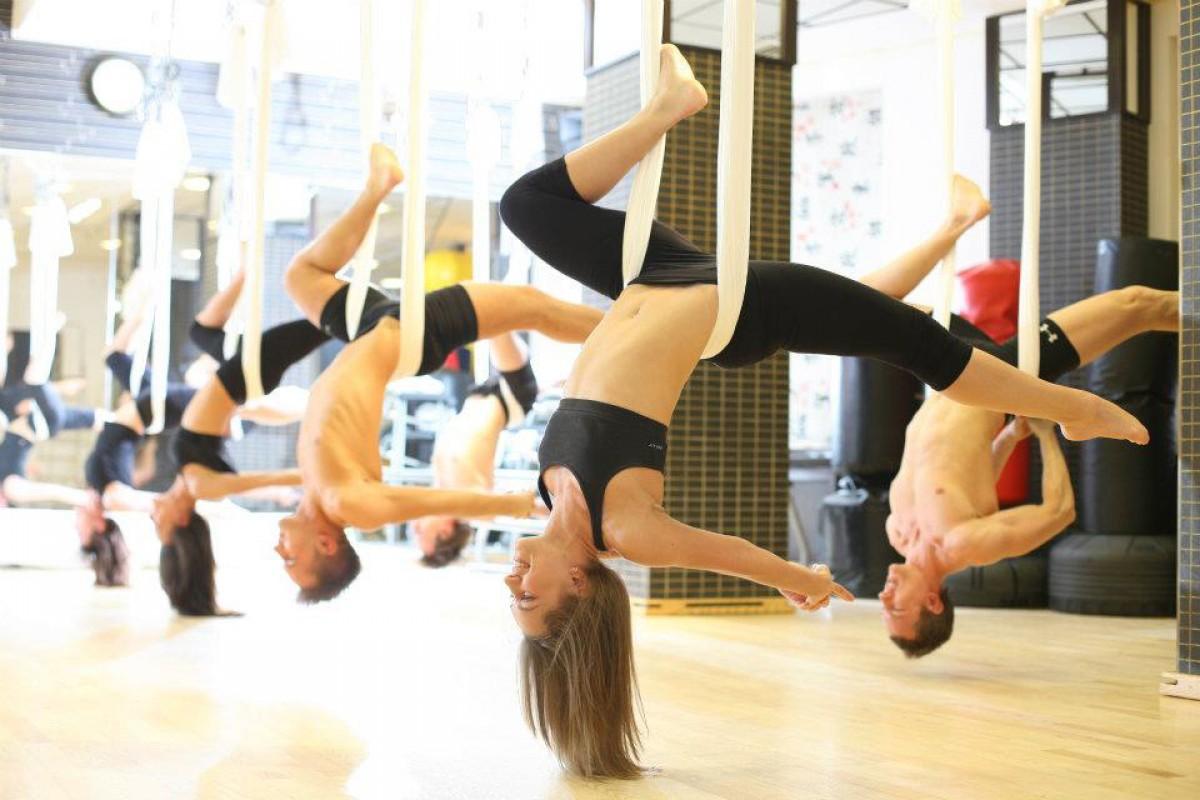 Không nên ăn uống ngay trước khi tập luyện yoga bay
