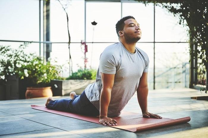 Nam tập yoga được không? 7 bài tập yoga cho nam giới dẻo dai, tăng cường sinh lý