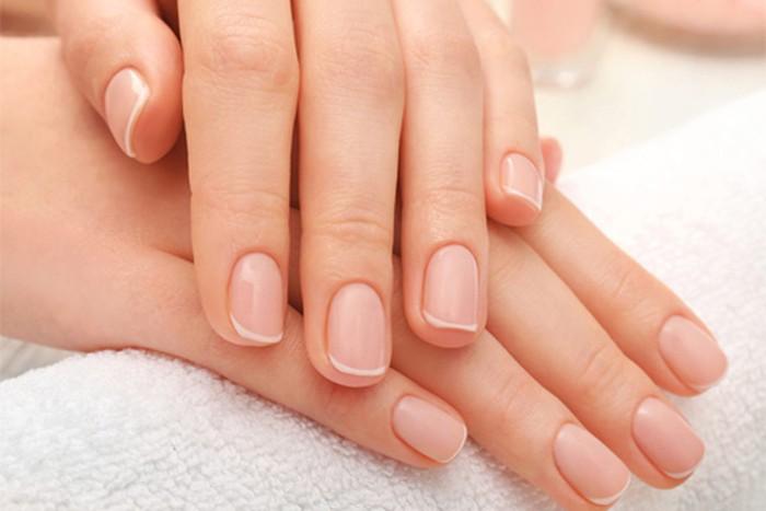 Chăm sóc móng trước khi làm nail sẽ giúp bạn có một bộ nail đẹp, bóng bẩy hơn