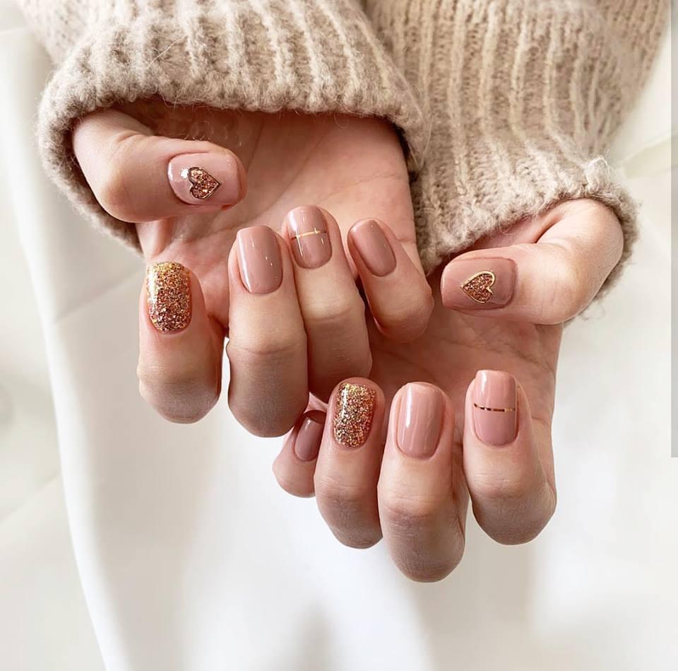 Mẫu nail móng ngắn đẹp