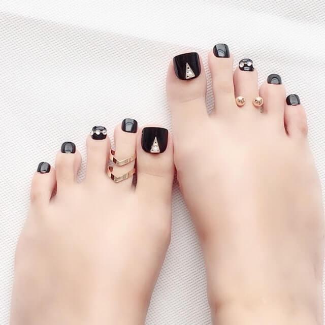 Mẫu móng chân ngắn đẹp