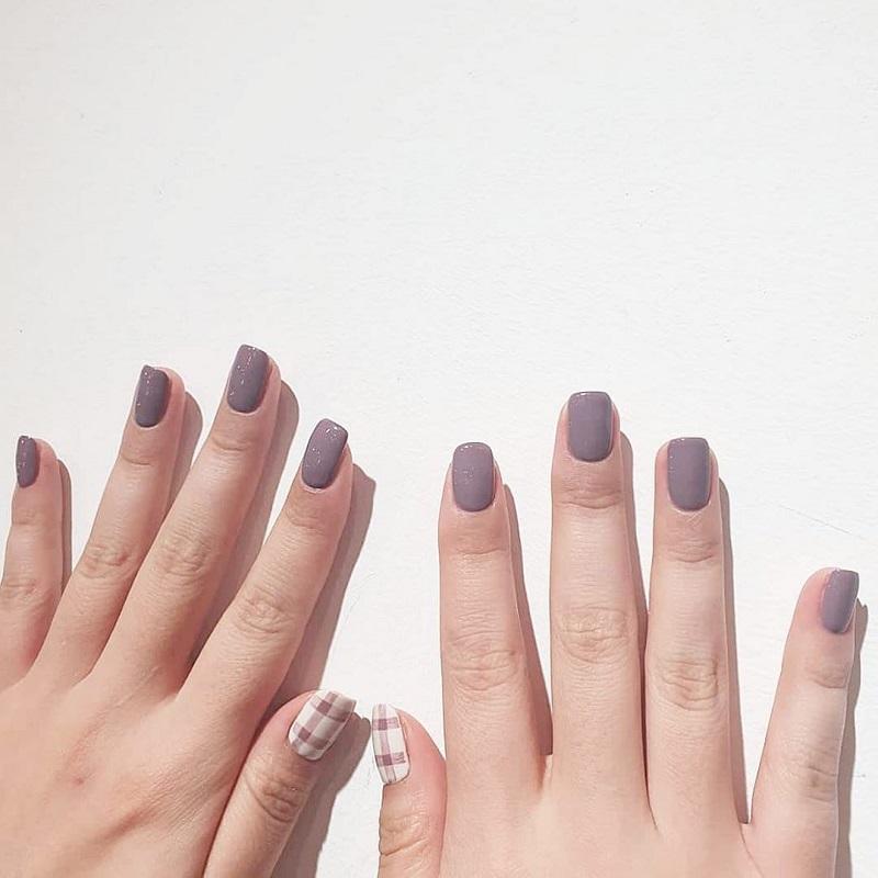 Móng tay ngắn sơn màu gì?