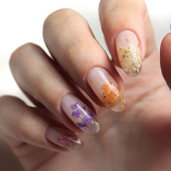 Những mẫu sơn móng tay đẹp