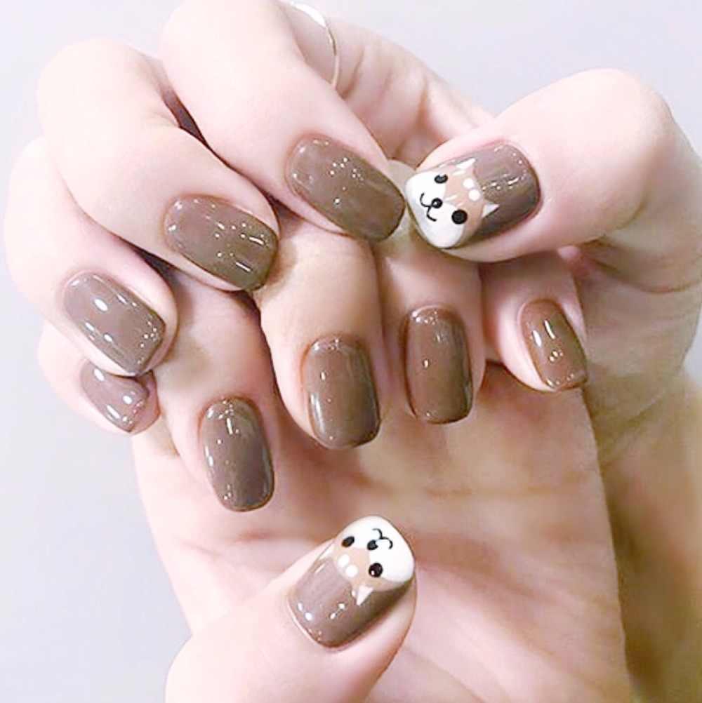 Màu sơn móng tay làm trắng da