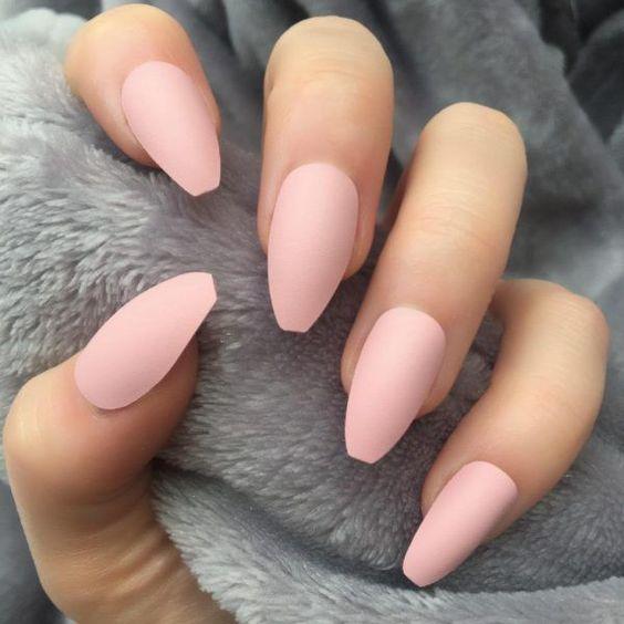Màu nail đẹp cho da ngăm