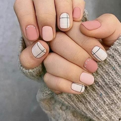 Màu nail Hàn tôn da