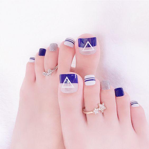 Màu móng chân đẹp cho da ngăm