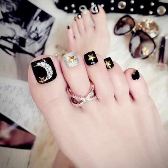 Màu nail chân đẹp, tôn da