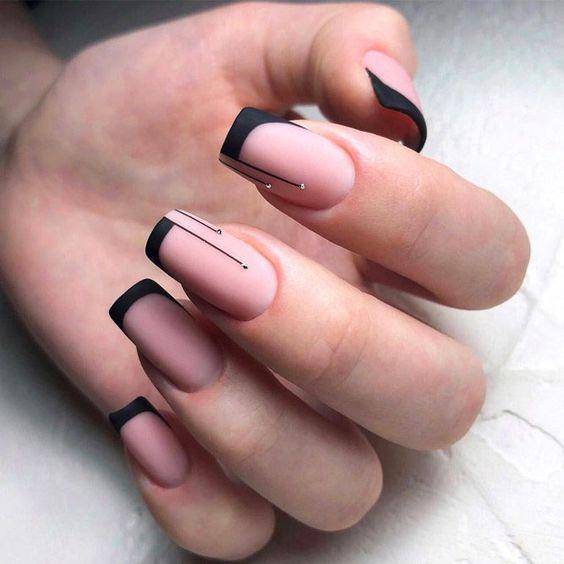Màu nail tôn da ngăm đen