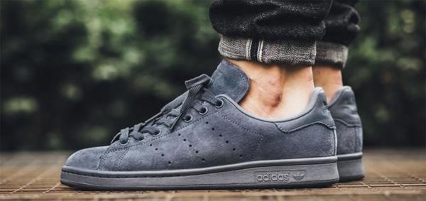 Cách giặt giày da lộn Adidas