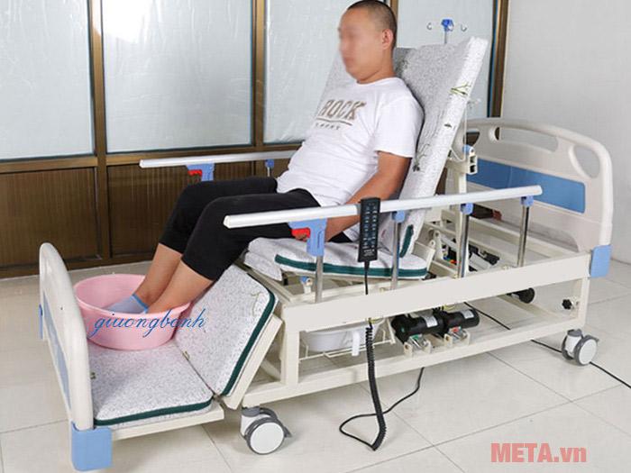 Giường chăm sóc bệnh nhân dùng trong ngành Y Nikita NKT-DH04