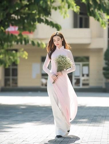 Cách chọn áo dài chụp kỷ yếu đẹp