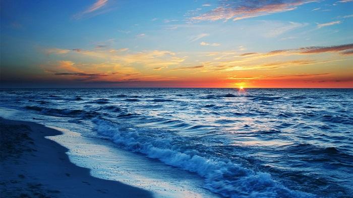 Thơ hay về biển và em