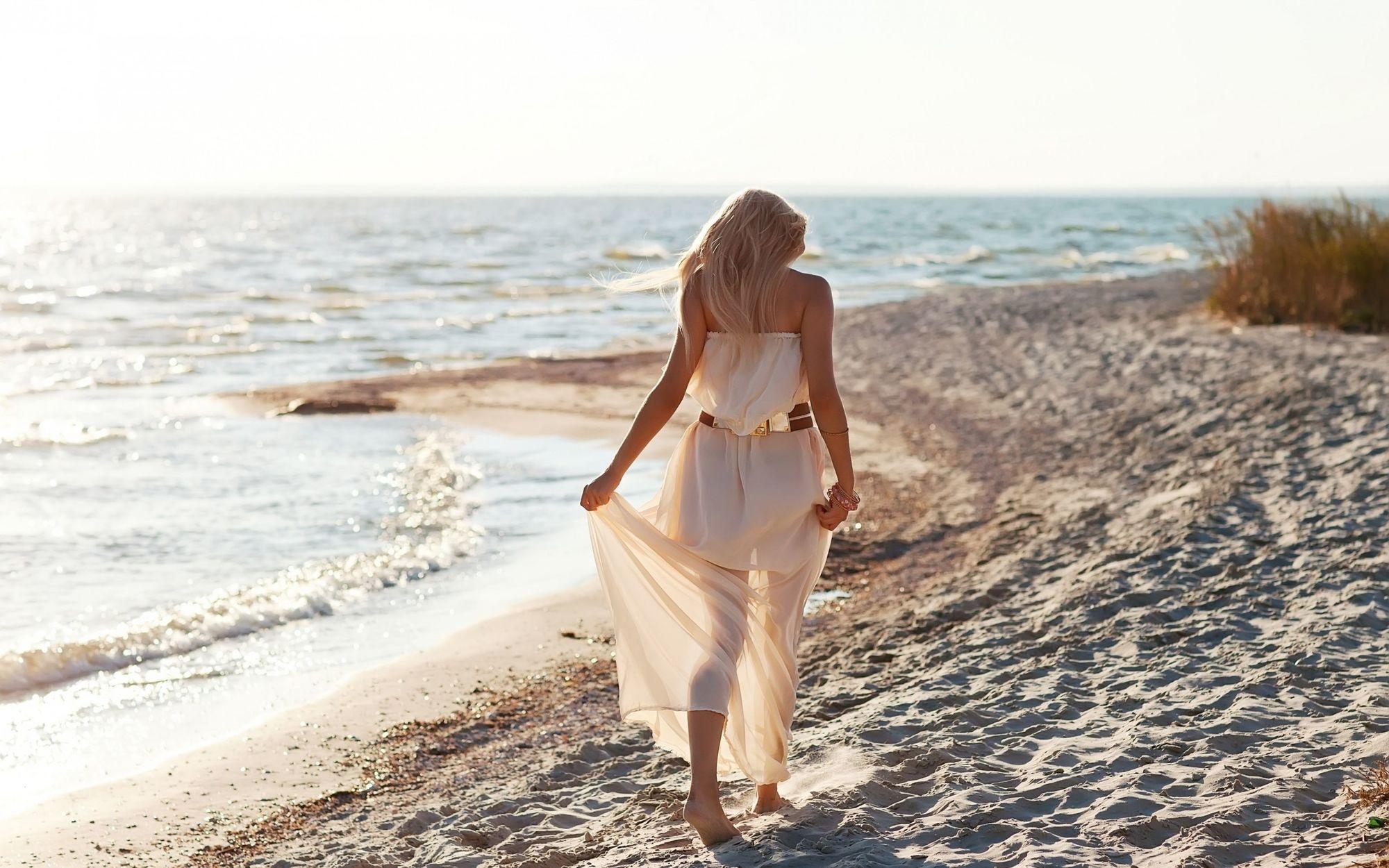 Stt về biển và em, stt hay về biển và anh lãng mạn nhất
