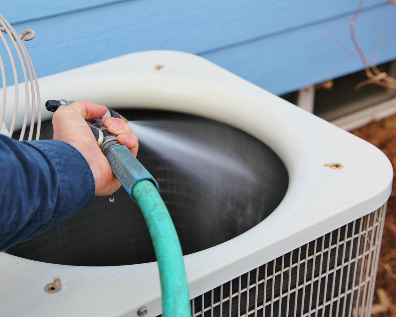 Cách vệ sinh điều hòa, máy lạnh âm trần nối ống gió