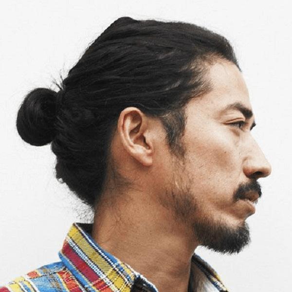 Kiểu tóc dài nam cột tạo vẻ nam tính, mạnh mẽ