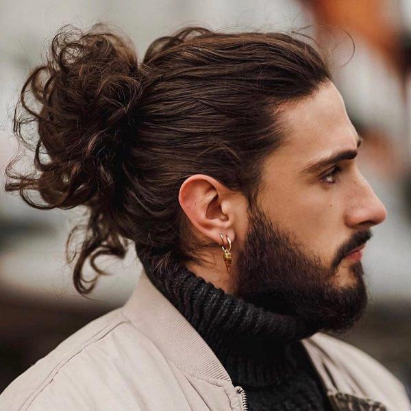 Kiểu tóc nam buộc búi sau